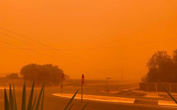 Incendies en Australie: le Premier ministre rejette tout lien avec le climat