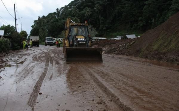 Eboulement à Mahaena : une maison emportée, interruption de la circulation automobile jusqu'à 17 heures(màj)