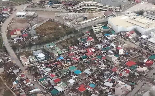 Typhon Goni aux Philippines: au moins 20 morts