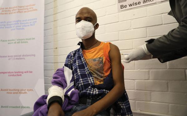 L'OMS ouvre la voie à la vaccination des pays les plus démunis