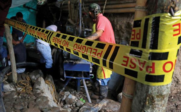 Colombie: course contre la montre pour sauver 11 mineurs d'or bloqués sous terre