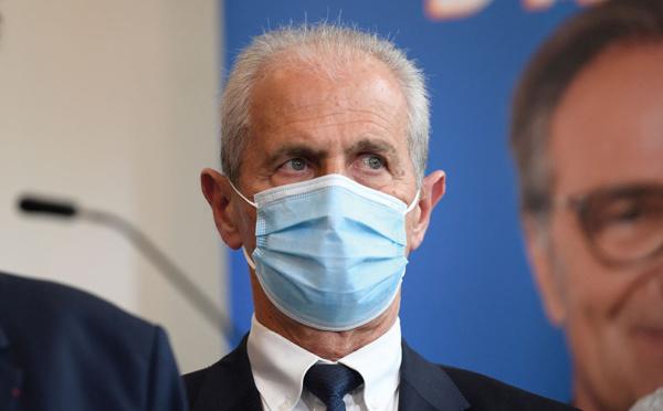 Le maire de Toulon Hubert Falco quitte LR