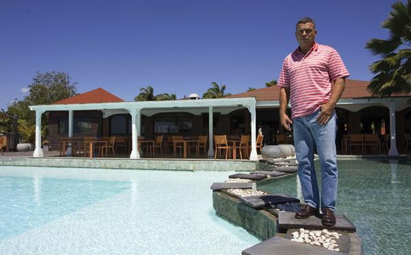 Outremer: des professionnels du tourisme réclament un calendrier de reprise