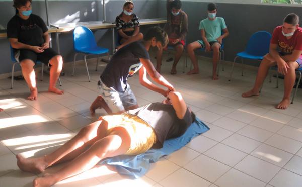 Les collégiens de Paopao formés aux premiers secours