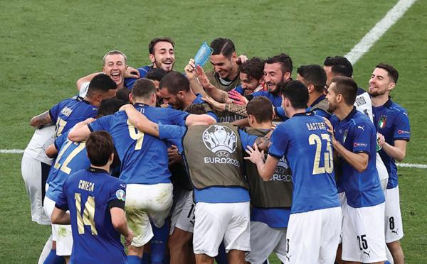 Euro: le sans-faute pour l'Italie, ça passe aussi pour Galles