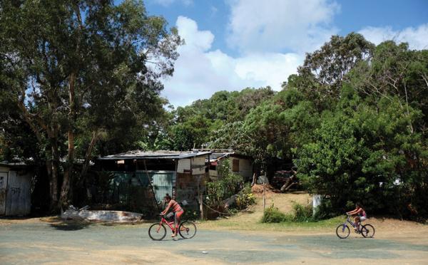 Dans les bidonvilles de Nouméa, le confinement aggrave la pauvreté