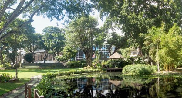 Les jardins de la Reine et la rivière Vai'ete