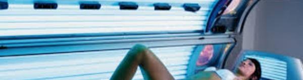 Cabine de bronzage et cancer: les mises en garde validées par le Conseil d'Etat