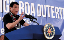 Un avocat dépose un dossier contre le président philippin devant la CPI