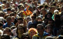 Référendum interdit: des milliers de Catalans dans la rue après des arrestations