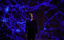 Emmanuel Noblet a reçu le Molière 2017 du Meilleur Seul en scène et Prix Beaumarchais du Meilleur Spectacle 2017 pour son spectacle Réparer les vivants.