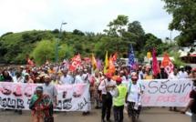 Un millier de personnes manifestent à Mayotte contre l'insécurité
