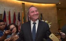 En pleine tourmente, le numéro 2 du gouvernement australien lâche l'affaire