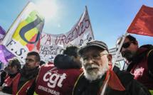 SNCF, Fonction publique: des dizaines de milliers de personnes défient le gouvernement dans la rue