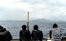 """Débarquements dans des pays tiers: l'UE ne veut pas d'""""un Guantanamo pour migrants"""""""