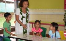 La ministre a démarré ses visites à l'école primaire de Vaiaha.
