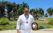 De retour à Tahiti, Puarani Vahaputona a rapporté le trophée dans ses bagages.