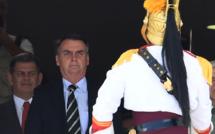 """Bolsonaro arme les Brésiliens au nom de la """"légitime défense"""""""