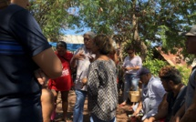 Les familles sinistrées se sont entretenues avec Robert Maker, premier adjoint au maire de Faa'a, et avec les services sociaux de la commune.