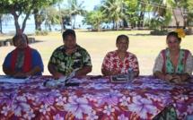 De gauche à droite : Maika des Tamari'i Mahina, Damas Teuira, tavana de Mahina, Merehau Anastas du ministère de la culture et Hinatea Ahnne, directrice de la Maison de la culture.