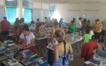 Lors de la première session plus de 500 000 Fcfp ont été collectés, pour plus d'une tonne d'ouvrages vendus. (Photo : Lions Club)