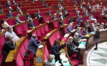 La ministre déléguée chargée de l'autonomie Brigitte Bourguignon, mardi à l'Assemblée nationale, lors de sa réponse au député Moetai Brotherson pendant la séance des questions au gouvernement.