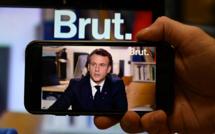 """Sur Brut, Macron échange avec la """"Génération Covid"""""""