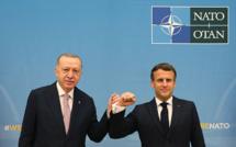 """Tête à tête """"apaisé"""" entre Macron et Erdogan, d'accord pour """"travailler ensemble"""""""