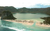 """Perdus 29 jours en mer, deux Salomonais survivent de """"prières et de noix de coco"""""""