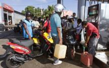 Guyane: le préfet ferme les stations service après un blocage de dépôts de carburants