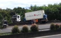 Sortie de route d'un camion : la circulation sur la route des plaines perturbée (photos)