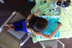 Kalani aime les couleurs, et notamment le bleu.
