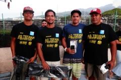 le podium des novices avec  de g à d Maui TAEA, Manutahi CHOUNE (2ième), Toromona  et Stéphane BROTHERS (3Ième)