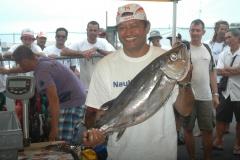même à 51 ans, Tepou reste toujours une valeur sûre. le double champion de Polynésie a assuré encore un podium lors de ce championnat 2015 en sortant de belle prise comme ce va'u