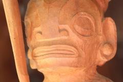 Tiki en bois de rose brut et non poncé