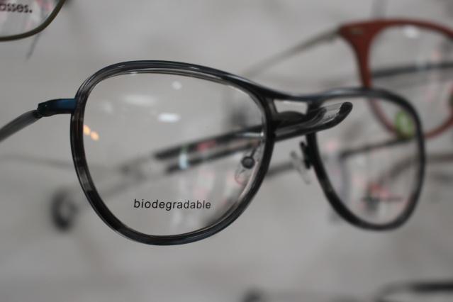 Paire de lunettes biodégradable.