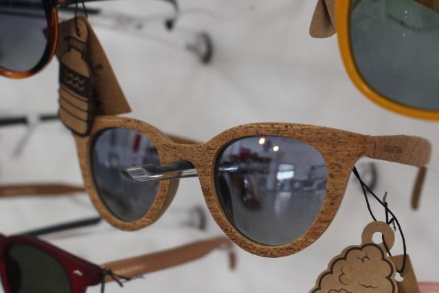 Paire de lunettes en matériaux recyclés.