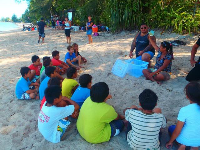 Enseignement pédagogique sur la plage du PK 18