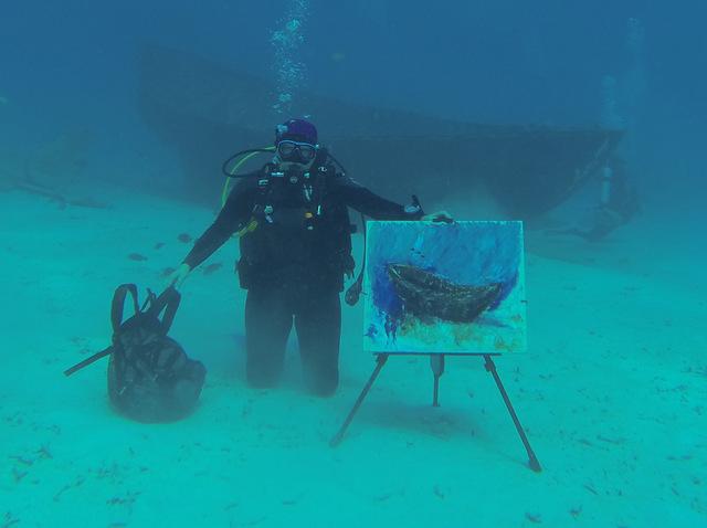 Insolite : la peinture sous-marine !