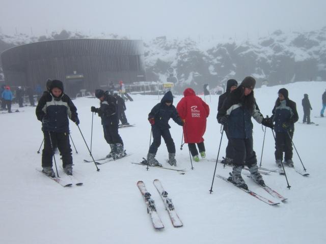 La Fapelec organise des activités les trois derniers jours dont une journée de ski près d'Auckland.