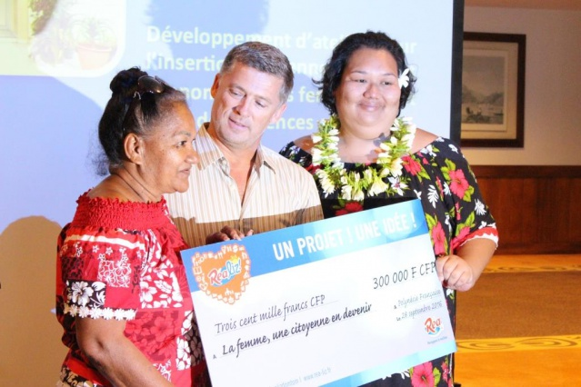 La femme, une citoyenne en devenir porté par le conseil des femmes a remporté un prix de 300 000 Fcfp.