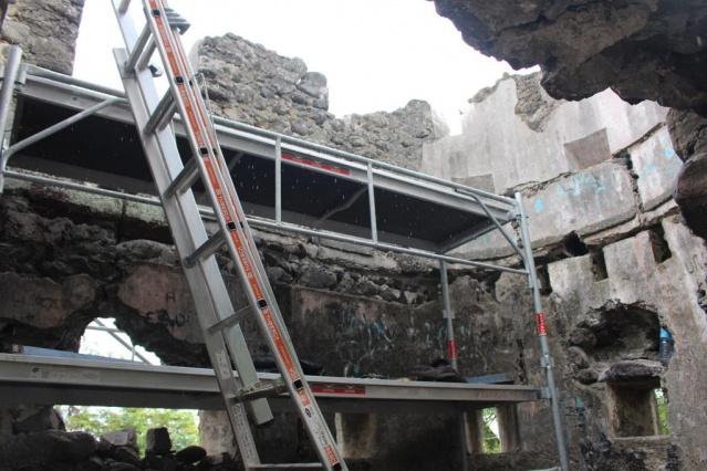Fortin Pare iti : un plancher existait à l'époque pour pouvoir surveiller la zone.